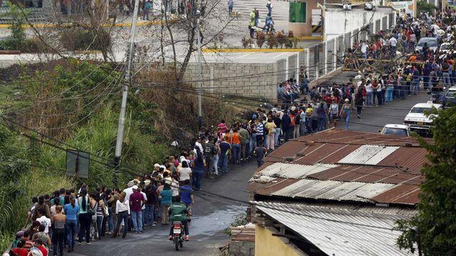 Khủng hoảng kinh tế, bánh mì thành món ăn sang chảnh của dân Venezuela ảnh 2