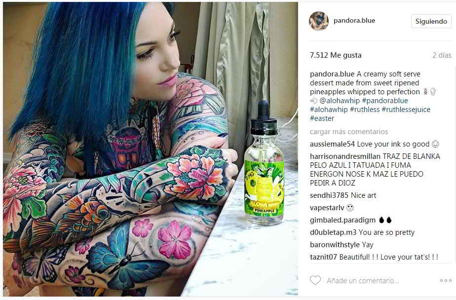 vemos a la modelo de instagram @Pandora.blue
