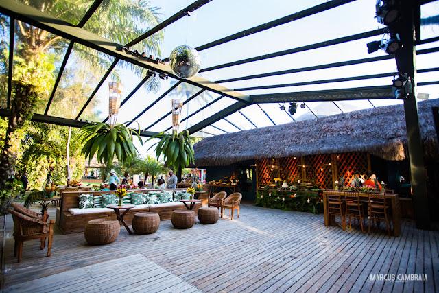 casamento no club med trancoso destination wedding na praia, abacaxi, menu, mesa, decoração, big tenda