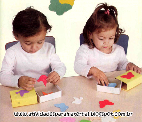 jogo reciclado para trabalhar cores e formas
