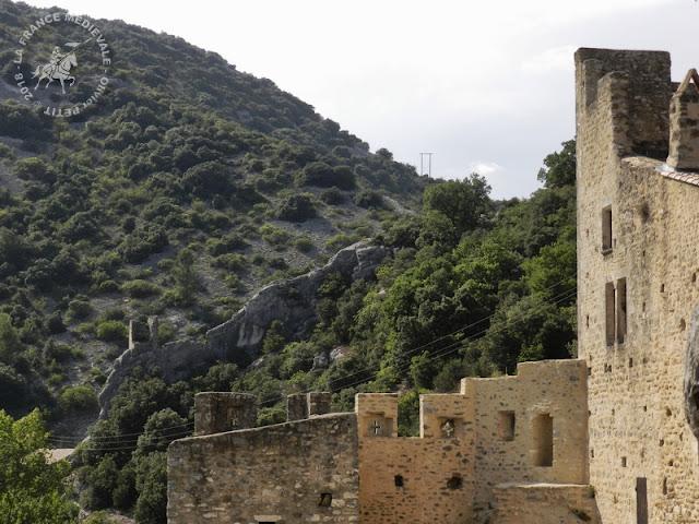 SAINT-MONTAN (07) - Village médiéval et colombier
