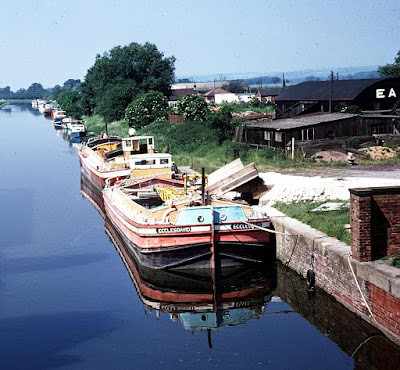 A rare colour picture from the early 1970s of barges on the New River Ancholme in Brigg - Ken Fisher Collection