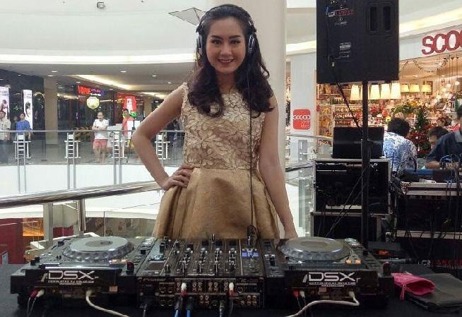 Daftar Dj Wanita Indonesia Paling Hot Dan Seksi Serta Foto Buat Kagum Netizen Melihat Live Mereka