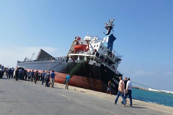 بالفيديو : هكذا جنحت سفينة pasha بميناء تنس