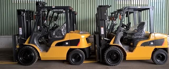 Xe nâng diesel 3 tấn Nhật Bản