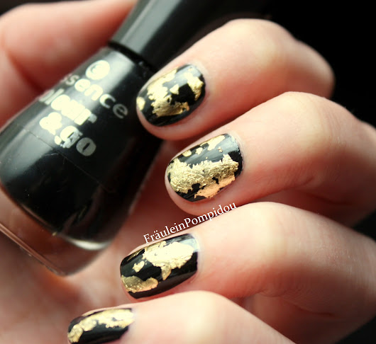 Gold Leaf Nailart