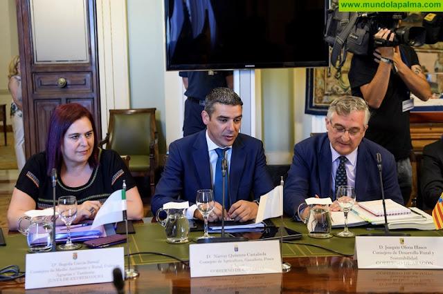 Narvay Quintero y Luis Planas acuerdan la materialización de los 15 millones del POSEI adicional para 4.800 productores de las Islas