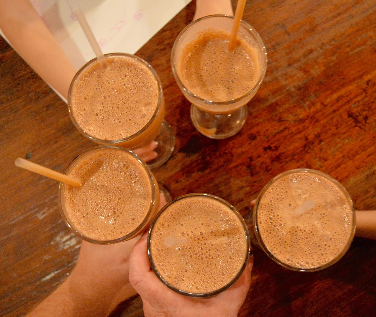 The Fat Hippo Underground with Kids | Simply the Best Burgers in Newcastle - homemade and fresh frothy chocolate milkshakes