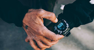 AHEAD OF TIME: G SHOCK x FUTURA | GRAFFITI AM HANDGELENK
