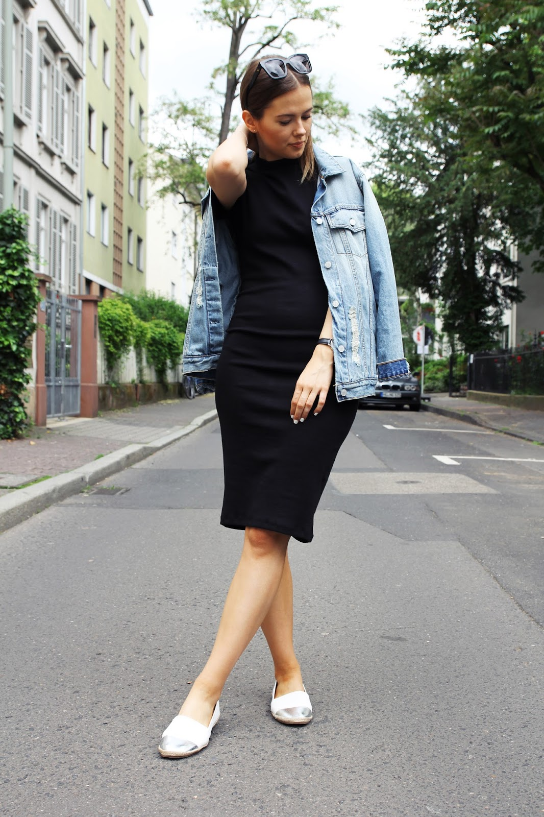 How to style a denim jacket etcetera how to wear a bodycon dress without looking too riské black dress jean jacket women s style we asked 17 people to style a denim jacket and the results are bad maternity black dress style by alina. Related. Trending Posts. Sitka Gear Incinerator Jacket.