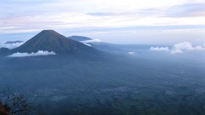 Daftar Gunung di Jawa Tengah Beserta Ketinggiannya