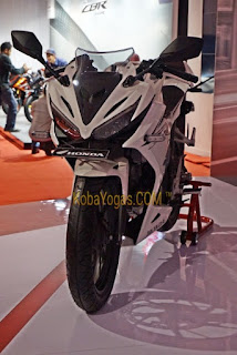 Honda CBR150R Putih