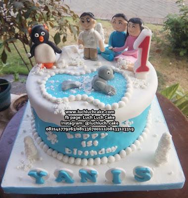 Kue Tart Fondant Pinguin dan Anjing Laut