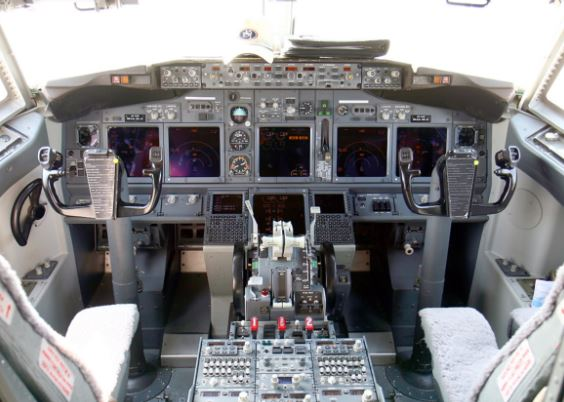 Boeing 737 AEW&C cockpit