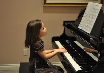 Học đàn piano trên organ được không
