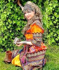 Robe kabyle traditionnelle pour jeune fille