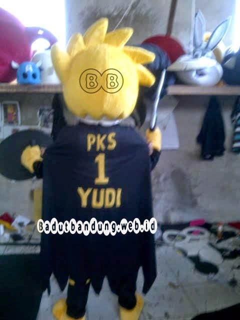 gambar belakang kostum maskot pks badut pemilu parpol
