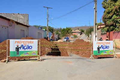 Prefeitura de São Desidério inicia serviços de drenagem e pavimentação na Rua 22 de Fevereiro