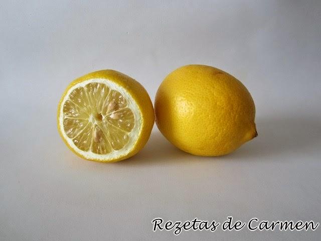 Utensilios basicos de cocina y trucos: exprimir limones