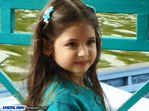 Wallpaper Of Little Girl In Bajrangi Bhaijaan Harshaali Malhotra Very Cute Unseen Hd Wallpapers Images