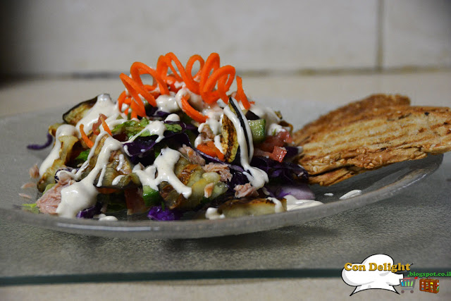 salad with toasted bread