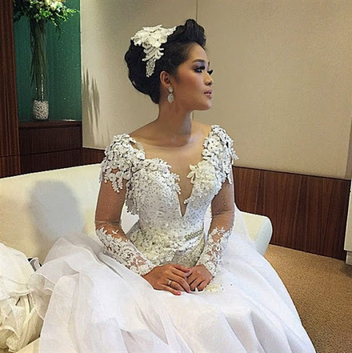 Baju Batik Ala Artis: Contoh Baju Pengantin Pernikahan Artis Yang Elegan Dan