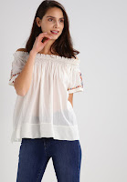 https://www.zalando.be/noa-noa-t-shirt-basic-tofu-nn121d02a-o11.html