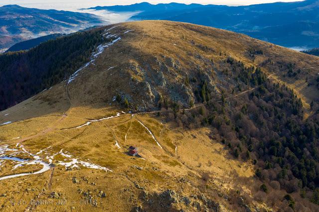 Le Petit Hohneck — L'ancienne route qui menait à la vallée de Munster est parfaitement visible