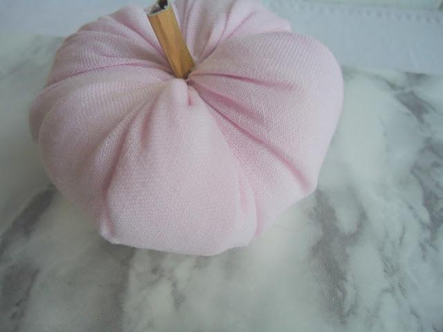 różowa dynia DIY,