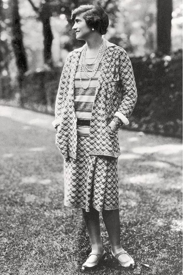 26 Classy And Fabulous Photos Of A Young Coco Chanel In