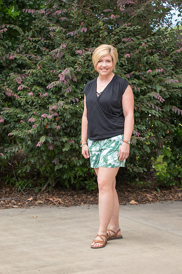 palm print shorts, summer style, shorts outfit
