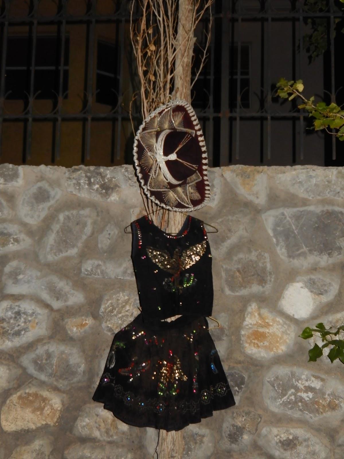 Tabbies In Tow El Grito