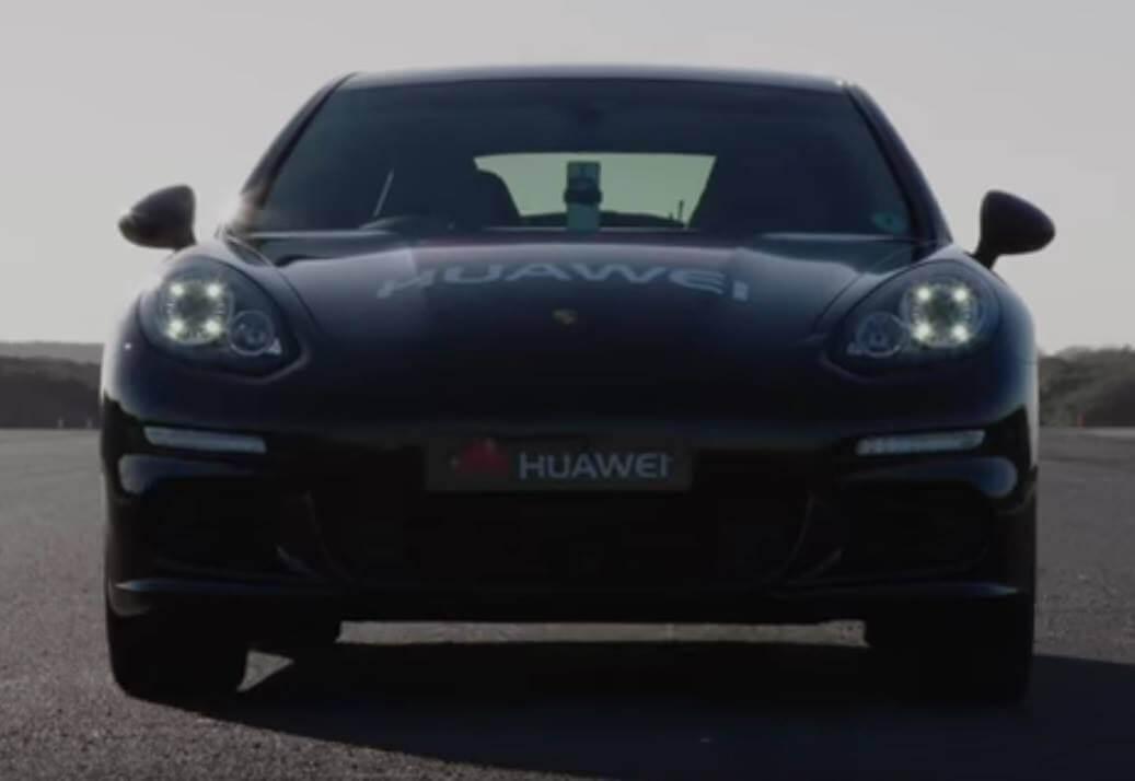 Huawei Mate 10 Pro A.I. Pilot a Driverless Porsche