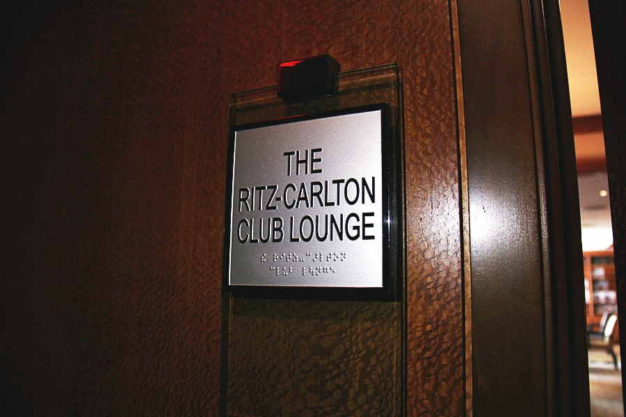 the ritz carlton club lounge boston