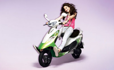 2016 TVS Scooty Pep Plus Hd Wallpaper with anushka sharma