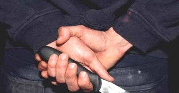 شاب عشريني يستنفر السلطات الأمنية بالمعذر بعد إشهار سلاح أبيض