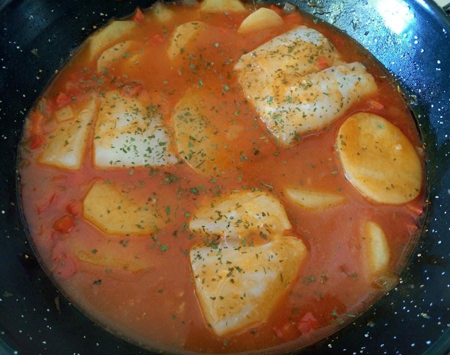 Guiso-patatas-con-bacalao