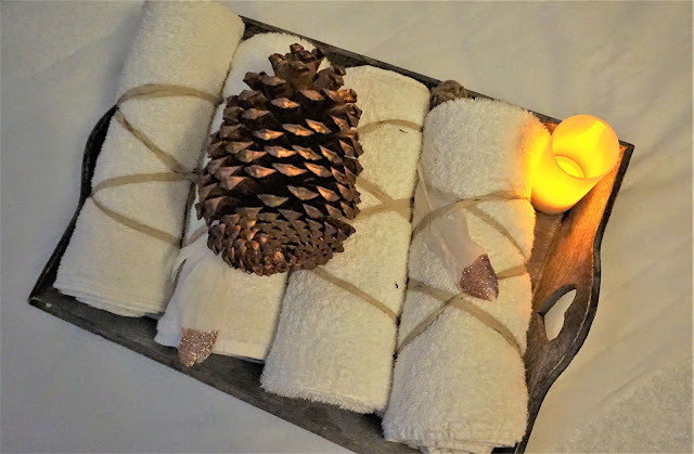 La décoration de la table de massage au Vital SPA