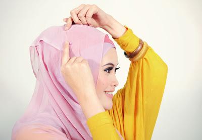 cara memakai jilbab segi 4