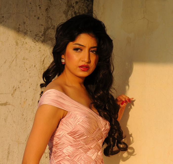 poonam kaur , poonam kaur new hot images