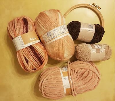 pelotes-de-differentes-laines-tailles-couleurs-tambour