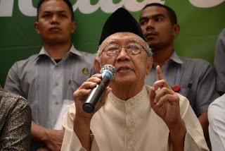 Gus Sholah: Jokowi Harusnya Temui Pimpinan Aksi Damai 4/11 karena seruan PBNU tidak sepenuhnya diikuti warga Nahdliyin