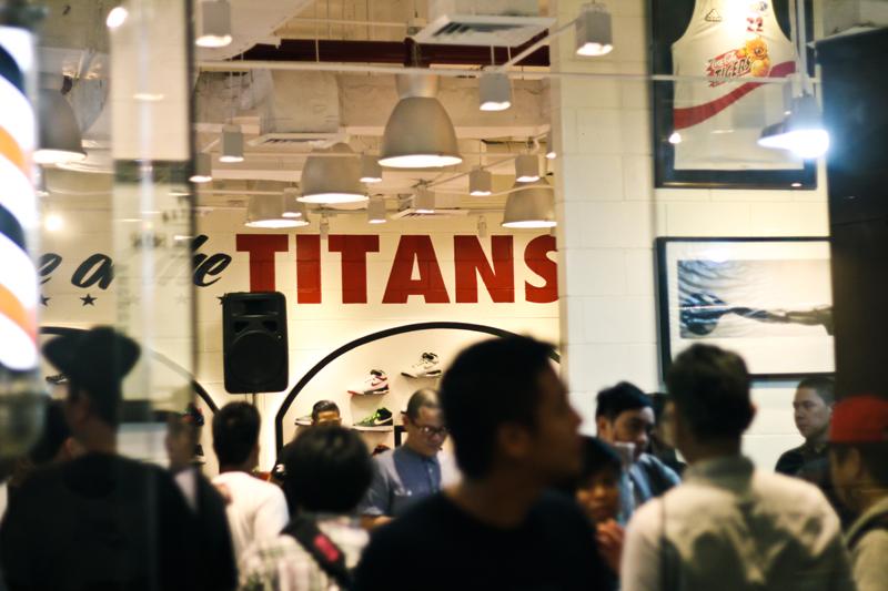 competitive price 0644e 2d2ad Astron Sneaker Hunts: Titan Glorietta 5 Opening