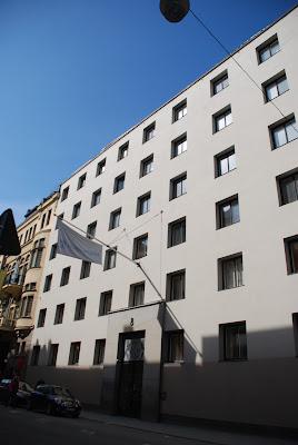 entrance façade, Riksförsäkringsanstalten, Stockholm - Sigurd Lewerentz