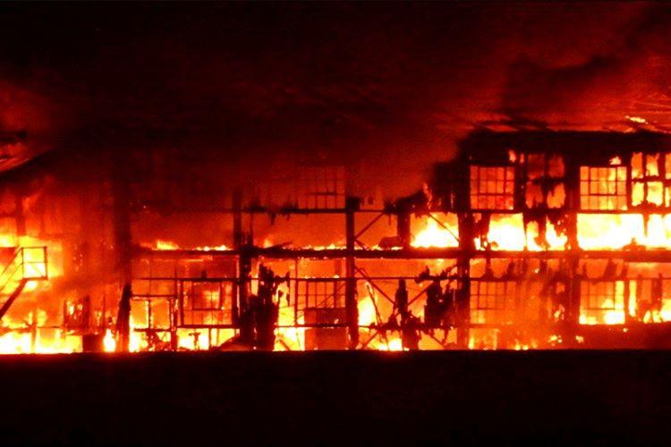 Oldukça ağır bir hasar almıştı, onarım için tersaneye çekildiğinde tersanede yangına neden olmuştu.