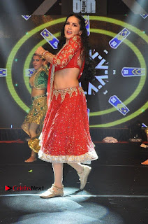 Bollywood Actress Model Sunny Leone Dance Performance in Red Half Saree at Rogue Audio Launch 13 March 2017  0149.jpg
