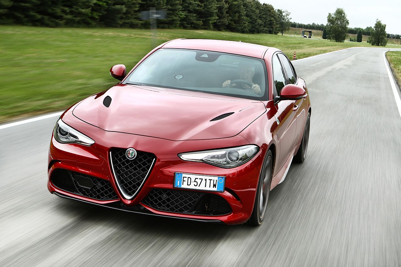 alfa romeo giulia quadrifoglio costs a crazy 1 5k a month to lease carscoops. Black Bedroom Furniture Sets. Home Design Ideas