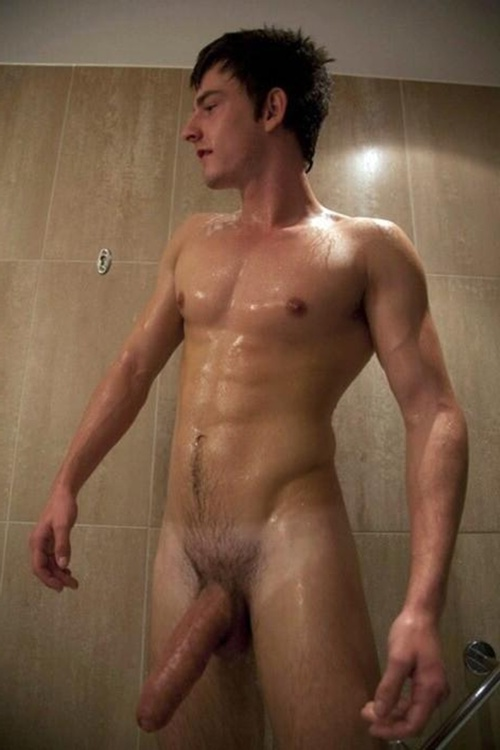 Guy wet nude — img 2