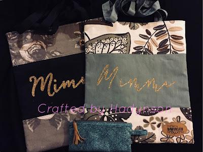 Väskor dekorerade med Stahls' glittervinyl och Silhouettes Faux leather paper