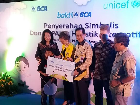 Donasi BCA untuk Anak-anak PAUD HI di Papua